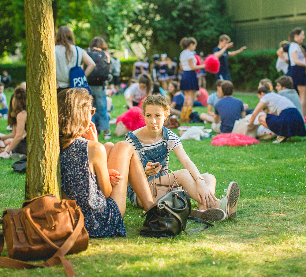 Etudiants à la Garden Party 2017 de l'Union PSL
